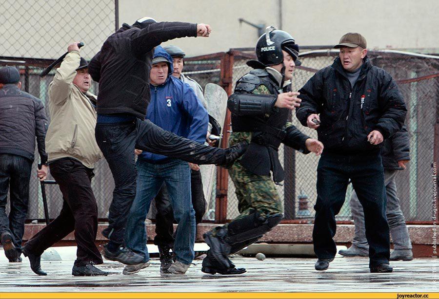 Хроника очередного киргизского переворота 7 апреля 2010