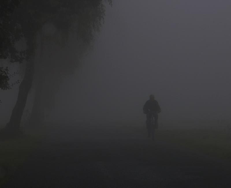 велосипедист туманный