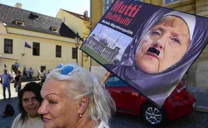 Гитлер в платке