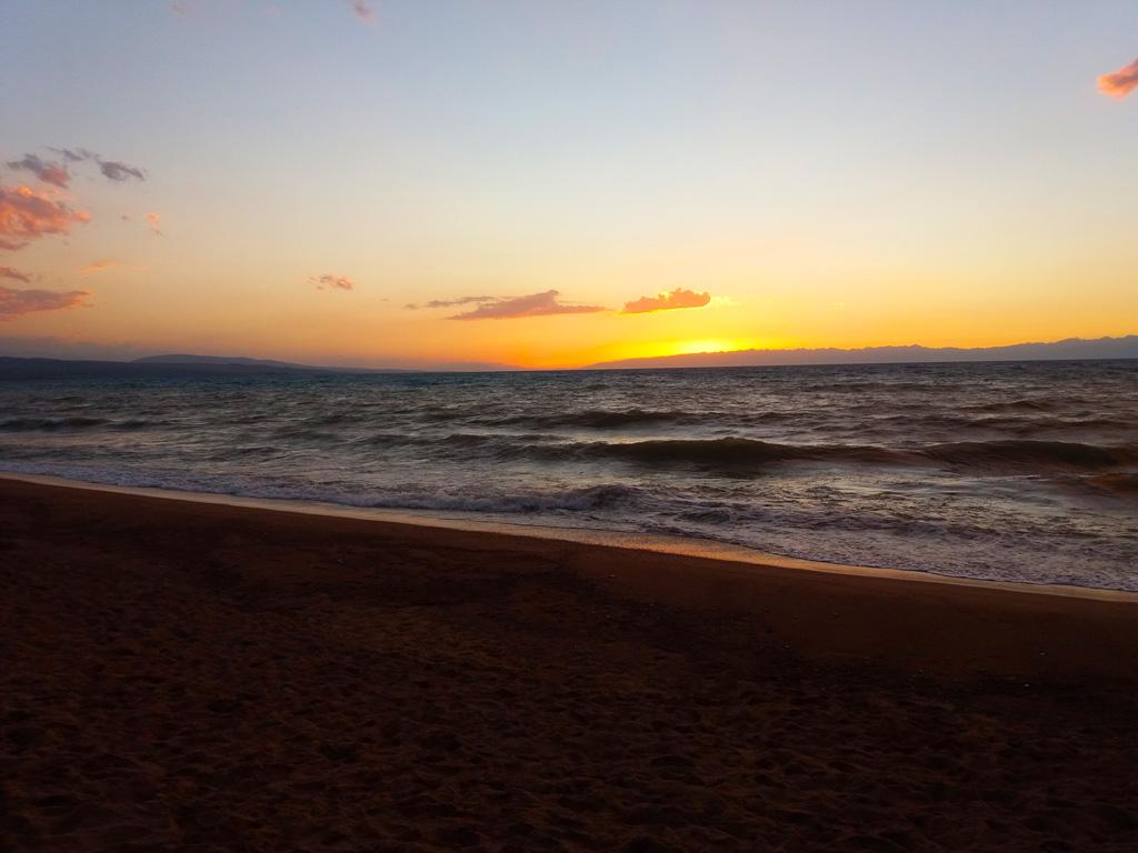 Вечерний берег Иссык-Куля